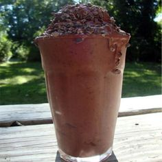 Happy Shake: This 100%-raw smoothie is basically a salad disguised as chocolate soft-serve ice cream!