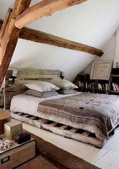 Tête de lit palette lit assorti dans chambre cocooning