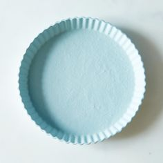 Blue Tart Plate: Naturally non-stick for the perfect slice and serve.