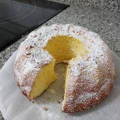 Food Cakes, Cupcake Cakes, Cake Recipes, Dessert Recipes, Bunt Cakes, Cheesecake Cake, Pan Dulce, Almond Cakes, Sweet Cakes