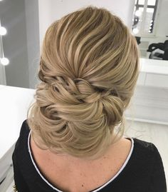 Gorgeous Wedding Updo Hairstyles That Will Wow Your Big Day Bridal Hairstyles With Braids, Braided Hairstyles For Wedding, Bun Hairstyles, Romantic Wedding Hair, Wedding Updo, Loose French Braids, Messy Updo, Wedding Hair Inspiration, Bridal Updo