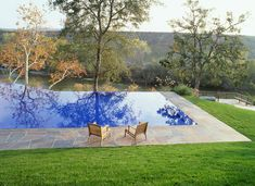 Creating a balanced shape is the crucial first step in gunite pool design. Creating a pool that fits your home's taste and enhances your backyard. Inground Pool Designs, Swimming Pool Designs, Above Ground Swimming Pools, Above Ground Pool, In Ground Pools, Most Beautiful Gardens, Beautiful Pools, Stunningly Beautiful, Outdoor Spaces