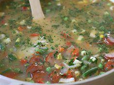 Arroz Mixto con Salchicha Et Yemekleri Mexican Food Recipes, Ethnic Recipes, Cheeseburger Chowder, Salsa, Food And Drink, Soup, Arroz Frito, Revolver, Chorizo