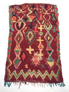 Boucherouites moroccan rugs, rug rugs style , Boucherouite Rug, Stunning Abstract Berber Beni Ourain Rug Beni Ouarain, Azilal Tapis Moroccan. Teppich Berber. Mid Century Modern Danish Design Complimen