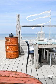 Las Cositas de Beach & eau: TRAS LAS VACACIONES....nos cuesta salir dela playa...por eso hoy regresamos a este CHIRINGUITOen la costa HOLANDESA..............