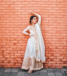 Image may contain: one or more people, people standing, wedding and outdoor Girl Photo Poses, Girl Photography Poses, Girl Poses, Nature Photography, Dress Indian Style, Indian Dresses, Indian Outfits, Pakistani Dresses, Stylish Sarees