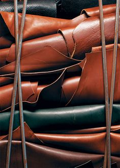 Frank Clegg Leather Works / photo by Bluebird Leather Texture, Leather Material, Brown Leather, Leather Hides, Leather Craft Tools, Leather Projects, Leather Crafting, Leather Tooling, Leather Wallet
