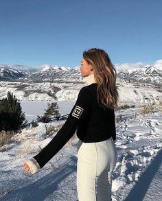 Ski Fashion, Winter Fashion, Style Fashion, Mode Au Ski, Chalet Girl, Snow Outfit, Ski Season, Ski Holidays, Winter Fits