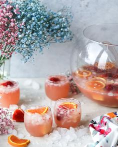 strawberry citrus easter punch I howsweeteats.com