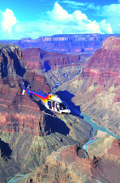 Helikoptervlucht boven de Grand Canyon National Park in Arizona