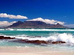 Table Mountain in Cape Town, South Africa. I did not take this picture but I did get the chance to visit Table Mountain in September 2011 and it was fabulous. I would recommend a visit to Cape Town to anyone! Pretoria, Places To Travel, Places To See, Travel Things, Travel Destinations, Table Mountain Cape Town, Blue Mountain, Les Continents, Garden Route