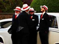 Wizerunek osobisty w biznesie. Czy da się robić interes w szortach i T-shircie? Panama Hat, Hats, Fashion, Moda, Hat, Fashion Styles, Fashion Illustrations, Hipster Hat, Panama
