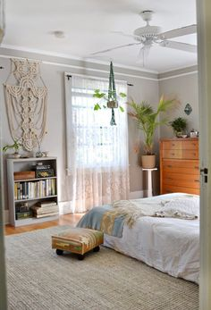 Lauren and Chad's Vintage Comfort House Tour | Apartment Therapy