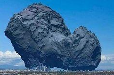 欧州宇宙機関の彗星探査機「ロゼッタ」が撮影したチュリュモフ・ゲラシメンコ彗星の写真を同比率で「ロサンゼルスに置いてみた」写真です。このようにすると、「3キロメートルの天体」のすごさがわかります。