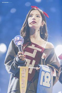 Yuehua Entertainment, Starship Entertainment, Xuan Yi, Secret Box, Cosmic Girls, Squad Goals, Mini Albums, Kpop Girls, Girl Group