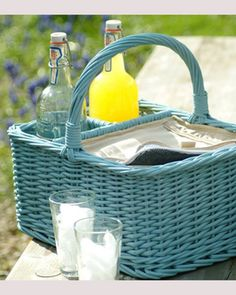 wicker picnic/cool basket