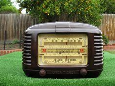 RARE BURGUNDY VINTAGE '52 DECO ASTOR HPM MICKEY BAKELITE 5 VALVE RADIO