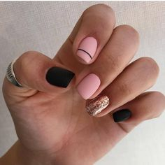 Nails Ungewöhnlich elegante Nägel Bathroom Tiles And The B Bright Red Nails, Navy Nails, Pink Nails, Nail Manicure, Gel Nails, Nail Polish, Black Manicure, Gold Acrylic Nails, Matte Nails