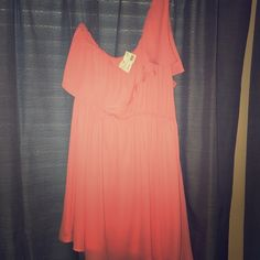 Coral one shoulder chiffon dress Coral one shoulder chiffon dress got this in 2 colors at a boutique only wore one, this is nwt. Size large Dresses