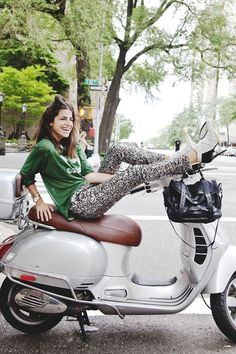Leandra Medine - Motorcycles and Scooter - Motorrad Scooter Girl, Vespa Girl, Motor Scooters, Vespa Scooters, Scooter Motorcycle, Motorcycle Girls, Piaggio Vespa, Lambretta Scooter, Classic Motorcycle