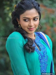 Download Amala Paul Hot HD Photos (1080p) in 1080p HD quality to use as your Android Wallpaper, iPhone Wallpaper or iPad/Tablet Wallpaper. (amala paul,actress,kollywood,mollywood,tollywood) Indian Actress Photos, South Indian Actress, Indian Actresses, Beauty Full Girl, Beauty Women, Amala Paul Hot, Most Beautiful Indian Actress, Beautiful Actresses, Indian Celebrities