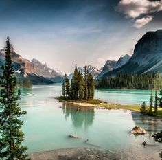 Spirit Island in Lake Maligne, Jasper National Park, Alberta, Canada. Photo by verythingeverywhere via Instagram #amitrips #travel #beautifulnature #montains