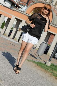 outfit b/w