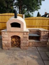 Milan 750 Pizza oven kit used with stone base and built in B.- Milan 750 Pizza oven kit used with stone base and built in BBQ. Milan 750 Pizza oven kit used with stone base and built in BBQ. Brick Built Bbq, Brick Bbq, Built In Bbq, Built Ins, Brick Oven Outdoor, Pizza Oven Outdoor, Patio Kitchen, Outdoor Kitchen Design, Outdoor Kitchens