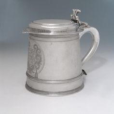 A Queen Anne Antique English Silver Tankard Bruton, c. 1700 by Gabriel Felling, one of the most outstanding gold and silversmith's of the time Queen Anne, 18th Century, Beer Stein, April 11, Antiques, Utensils, Gabriel, Tableware, Career