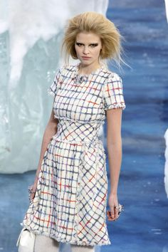 Chanel - Fall 2010 Ready-to-Wear Collection