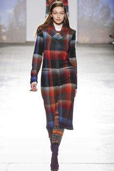 Missoni Fall 2017 Ready-to-Wear Fashion Show - Gigi Hadid
