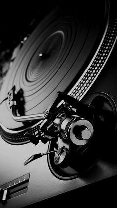58 Ideas For Music Studio Photography Vinyl Records Vinil Wallpaper, Music Wallpaper, Vinyl Music, Vinyl Records, House Music, Music Is Life, Platine Technics, Dj Setup, Dj Booth
