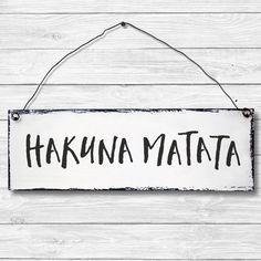 Schild Wandschild Dekoschild Shabby Chic Vintage Geschenk HAKUNA MATATA 10x30 cm in Möbel & Wohnen, Dekoration, Schilder & Tafeln | eBay