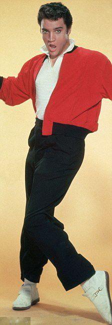 Elvis-UGH IF I WAS ALIVE BACK THAN LAWWWD LOL I LOVE ME SOME ELVIS♥