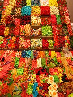 This is what I would like to see in grocery stores. No fruits or vegetables, only candy racks!