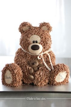So cute ♥  Brown bear cake