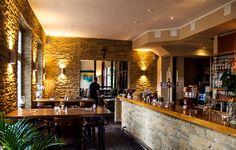 Bar mit Steinoptik Lajas