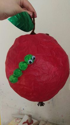 Fun Diy Crafts diy fun crafts with balloons Paper Balloon, Balloon Crafts, Balloon Lanterns, Balloon Decorations, Fun Diy Crafts, Paper Crafts, Diy For Kids, Crafts For Kids, Haunted Dolls