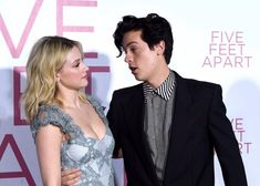 Lili reinhart and cole sprouse attend the premiere of lionsgate's five feet apart at fox bruin Cole Sprouse Abs, Cole Sprouse Funny, Dylan Sprouse, Bughead Riverdale, Riverdale Memes, Fallout 3, Dylan O'brien, Emojis Wallpaper, Cole Sprouse Wallpaper Iphone