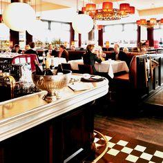 Wie in Frankreich: das gemütliche Interieur von Carls Brasserie   creme hamburg