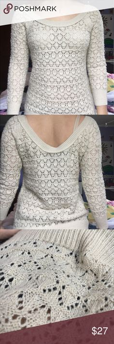 Tan, Sparkly AE Sweater !Brand New! Cozy knit tan sweater, never worn! Was a Christmas gift that isn't my style! 43% acrylic, 31% polyester, 24% wool, 2% other fiber- MACHINE WASHABLE! American Eagle Outfitters Sweaters