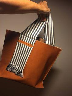 Shopper Tote, Tote Bag, Leather Handbags, Leather Bag, Leather Drawstring Bags, Potli Bags, Denim Ideas, Fashion Bags, Creations