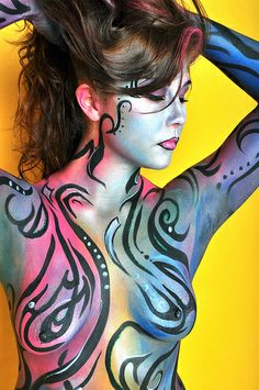 Today I would like to share 58 beautiful body paint for your inspiration. Hot Pink Lips, Essential Oil Candles, Acrylic Painting For Beginners, Wal, Learn To Paint, Kraut, Paint Designs, Face And Body, Female Bodies
