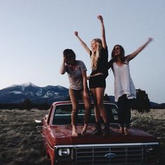 Squad Goals :: Soul Sisters :: Girl Friends :: Best Friends :: Free your Wild :: See more Untamed Friendship Inspiration (Best Friend Goals) Best Friend Fotos, My Best Friend, Soul Sisters, Best Friend Pictures, Friend Photos, Friend Goals, Best Friends Forever, Squad Goals, I Am Awesome