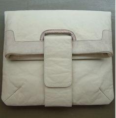 Choosing the Best Handbags Best Handbags, Designer Handbags, Purses And Bags, My Design, Stuff To Buy, Science, Couture Bags, Designer Purses, Flag