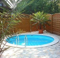 Rundbecken m tief Folie mm blau Swimming pool quality – & nbsp; Made in Germany Short info: Round pool x m. Tank capacity: 8 m³ What could be better than relaxing in your own garden?