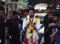 Abhishek Bachchan Visits 'Siddhivinayak Temple'