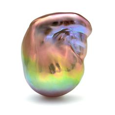 Freshwater baroque pearl from China. Only freshwater pearls can exhibit such an amazing display of color