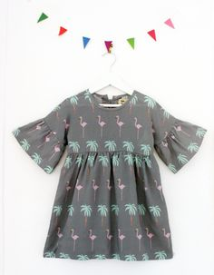 """Φόρεμα μποέμιαν σε γκρι χρώμα.  Από τη σειρά """"Another day in Paradise"""".  Από 100% βαμβάκι  Κατασκευή: Ισπανία"""