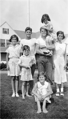 Jean Kennedy Smith, the Last Living Kennedy Sibling, Shares Never-Before-Heard Stories - TownandCountrymag.com